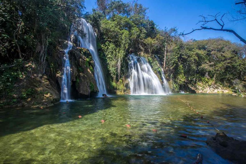 waterfalls and a lake - huasteca potosina tours