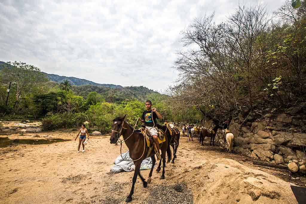 Quimixto - Boundless Roads