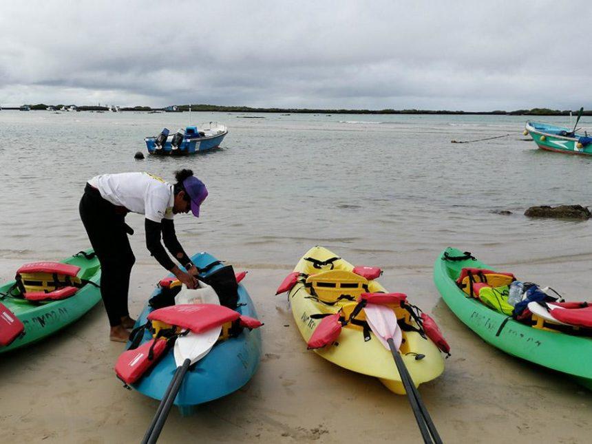 Isabela island Galapagos - kayaking