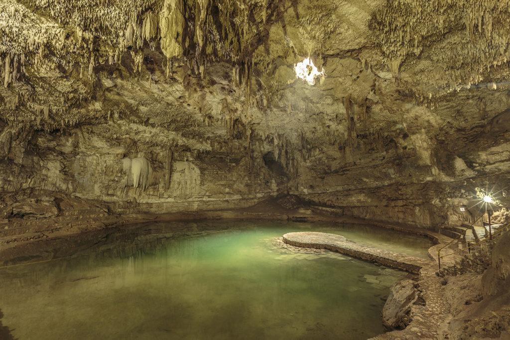Cenote Suytun - <a href=