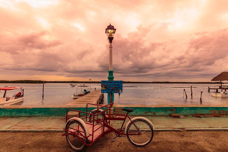 A local bicycle cart on Rio Lagartos by the sea