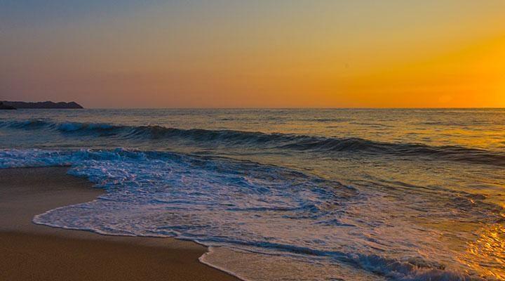SAN PANCHO SUNSET ON THE BEACH
