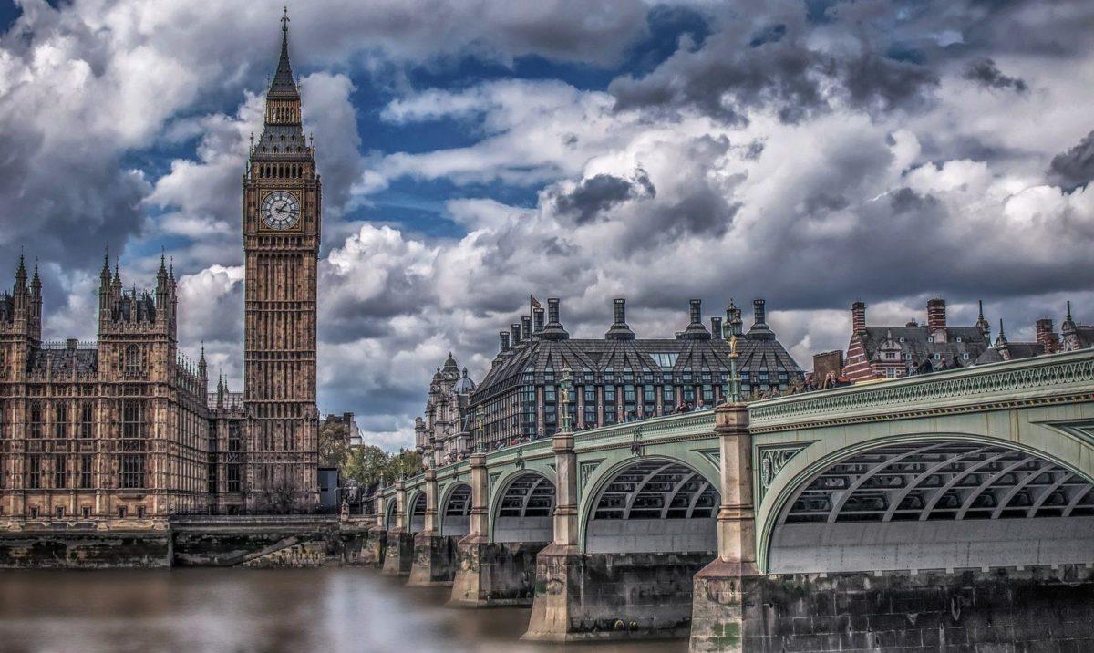 big ben in london in a cloudy sky
