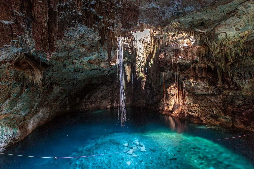 cenote cuzama - cave cenote