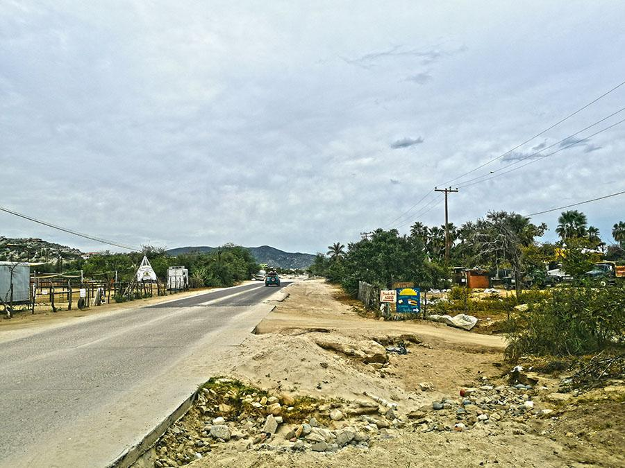 Road in los Barriles