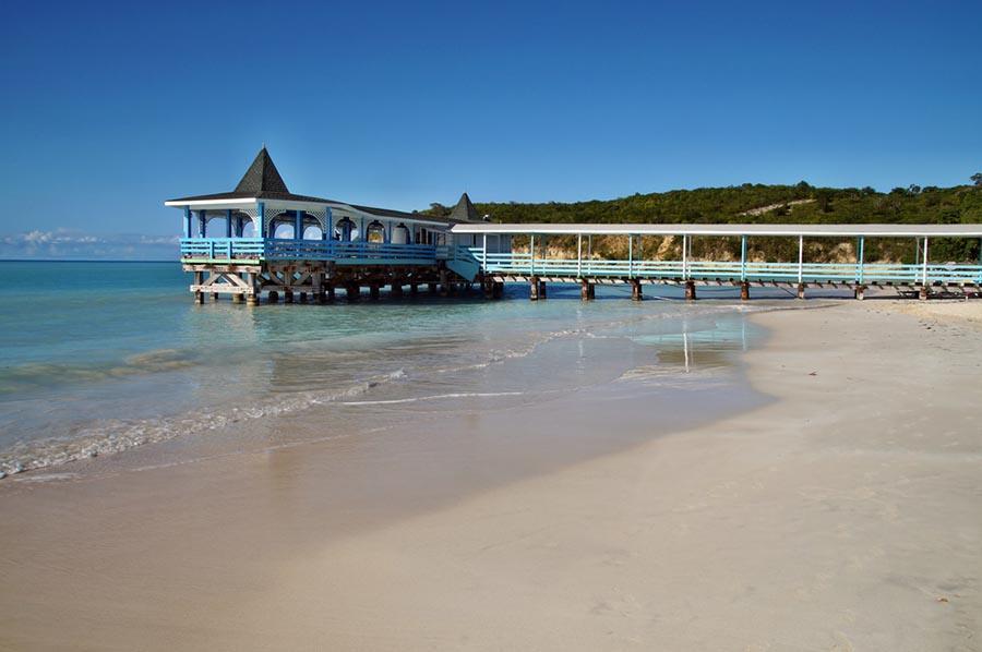Overwater restaurant in Antigua