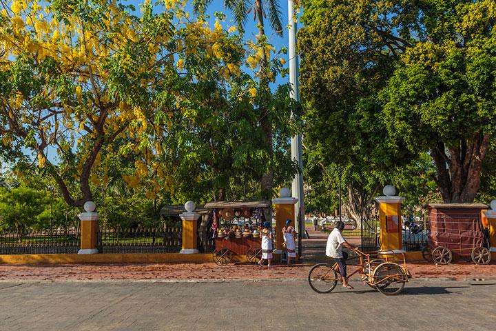 Valladolid Mexico plaza
