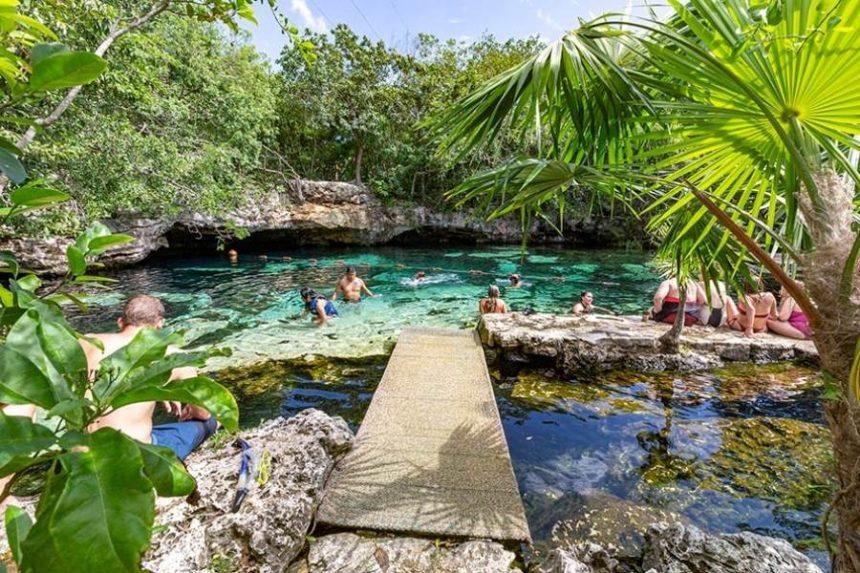Cenote Azul Riviera Maya