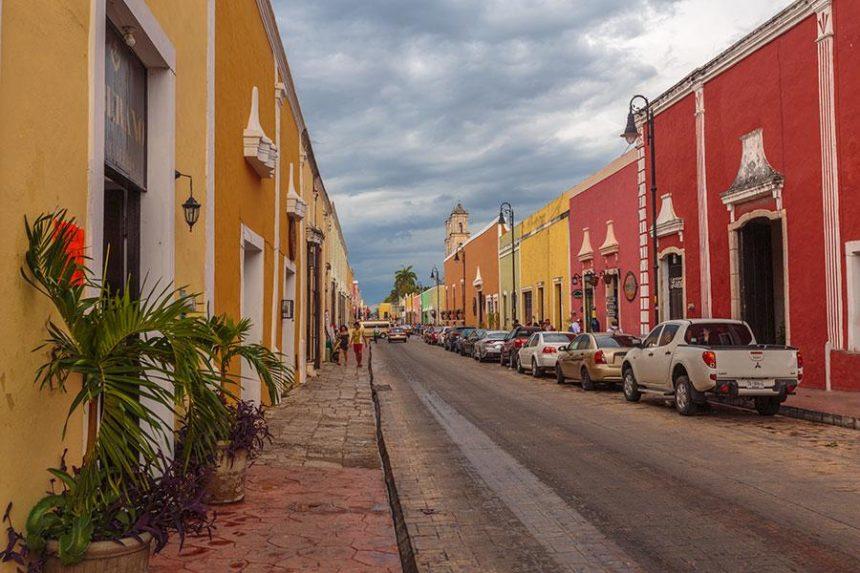Valladolid Mexico road