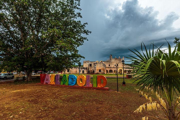 Valladolid Mexico sign