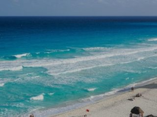 cancun weather in November
