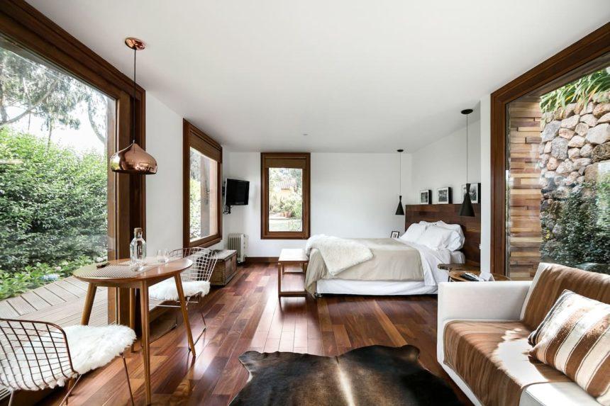 Cusco airbnb - stylish tiny home- livingroom