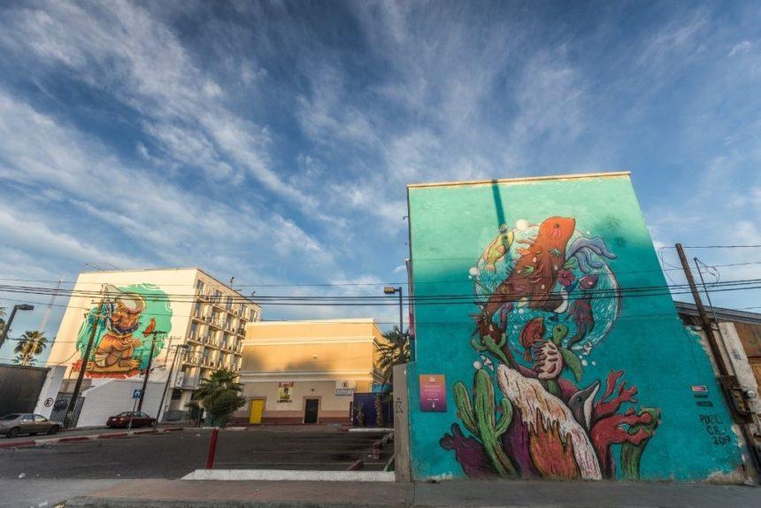 La Paz murals