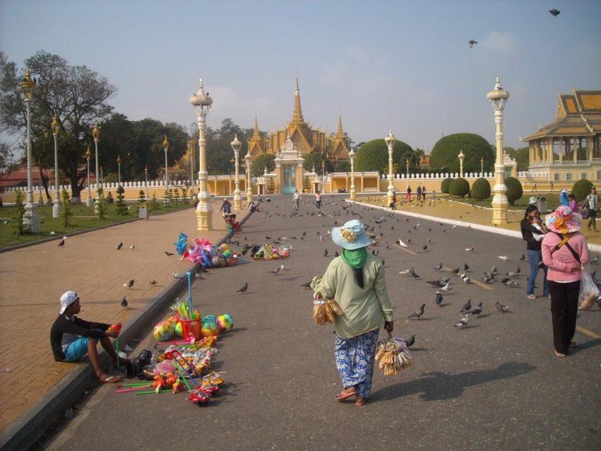 phon penh cambodia - street