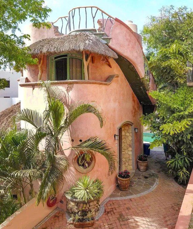 cilintrical shaped home