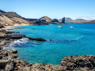 San Bartolome - turquoise bay