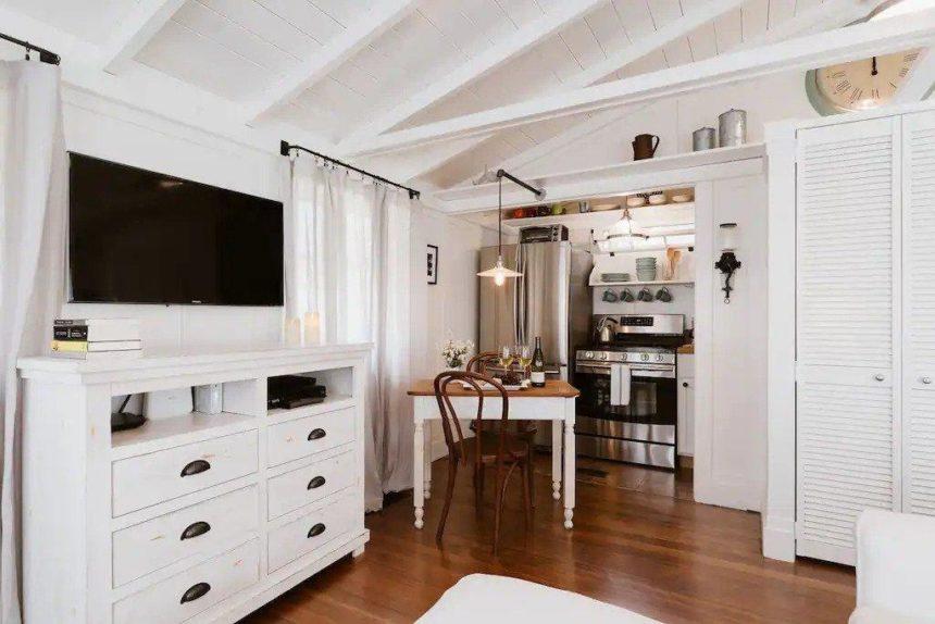 kitchen and TV corner of a studio