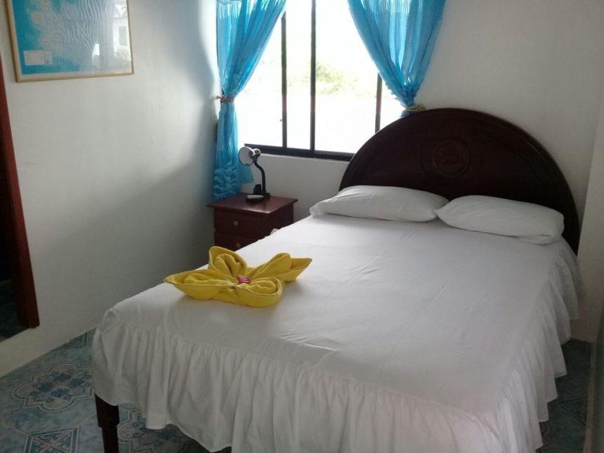 hostal insular room