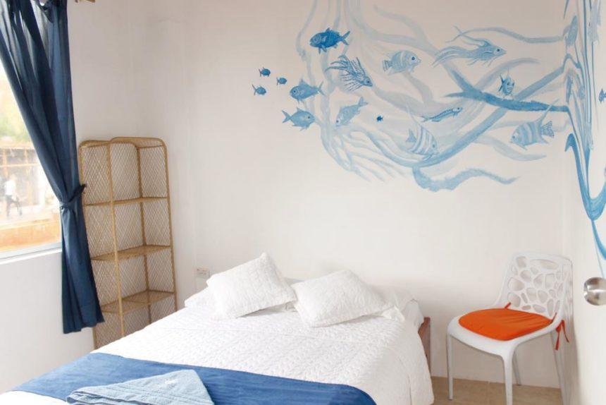Hotel Coral blanco room
