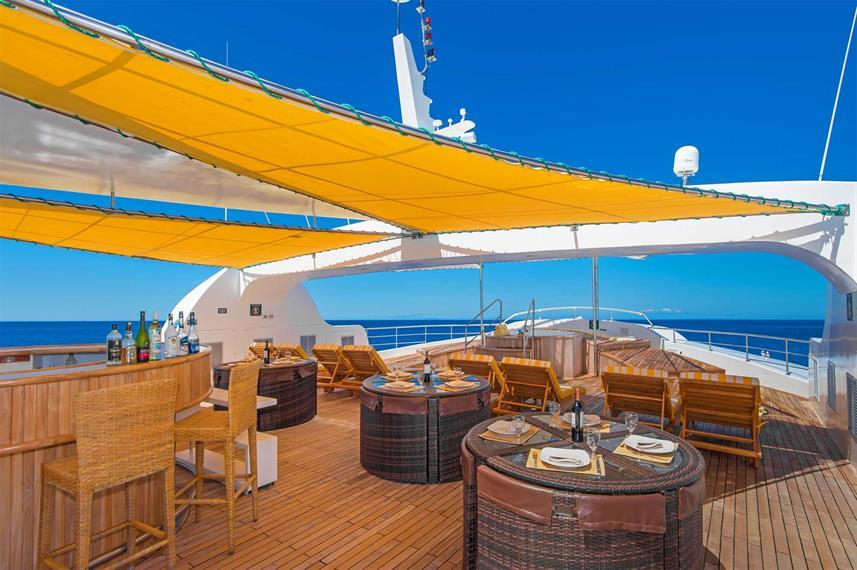 Petrel sun deck
