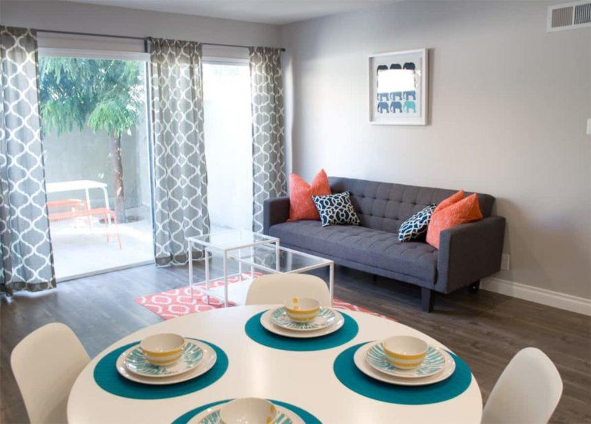 2 bedroom - Airbnb near Disneyland  - living