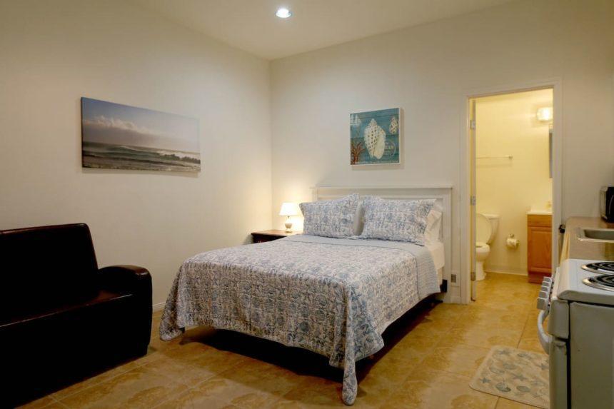 Newport beach studio bed
