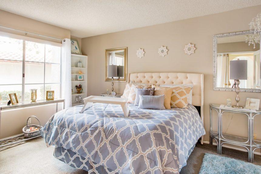 Orange County airbnb glamorous - bed