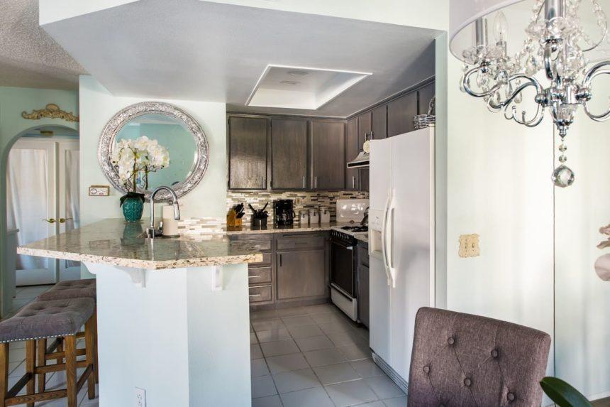 Orange County airbnb glamorous - kitchen