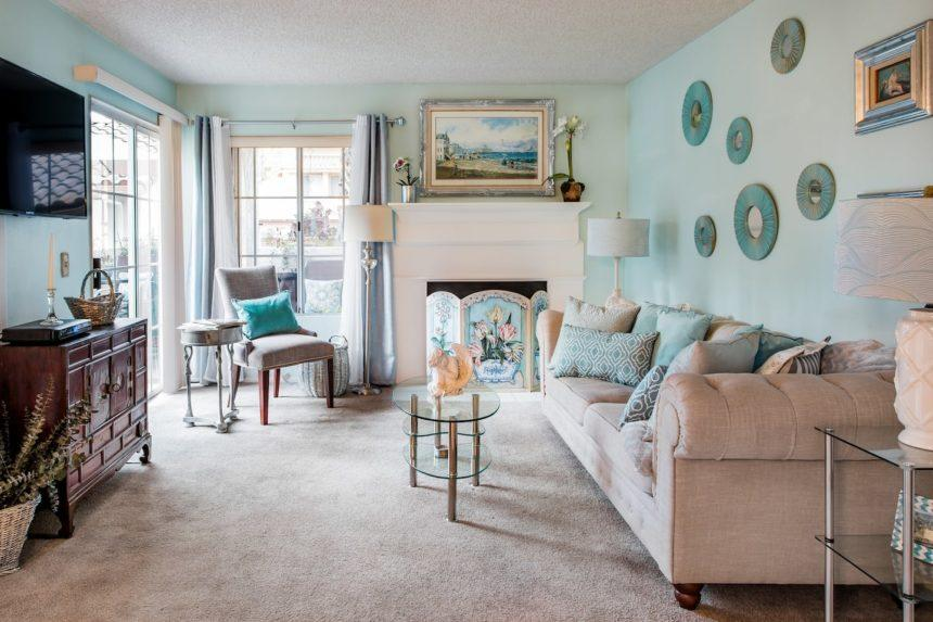 Orange County airbnb glamorous - living
