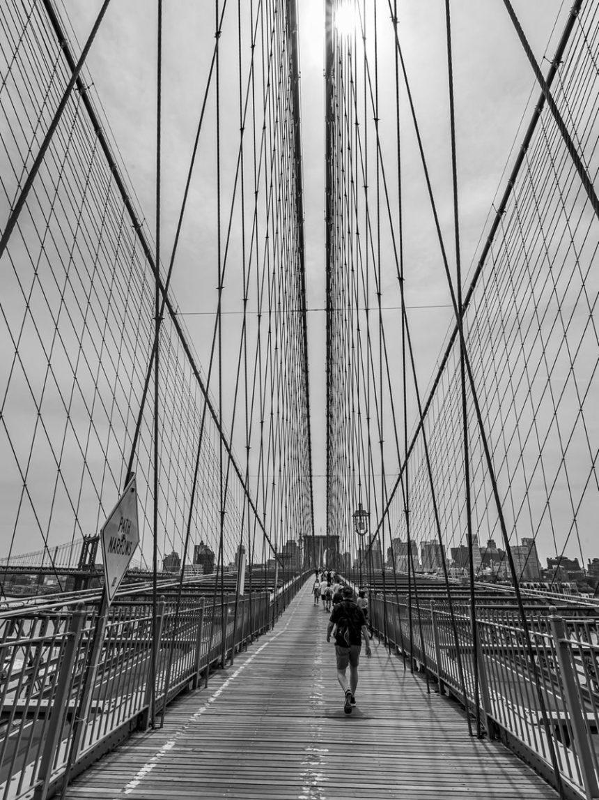 brooklyn bridge black and white