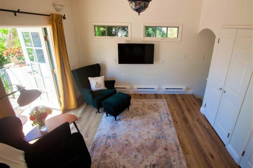 garden cottage living space