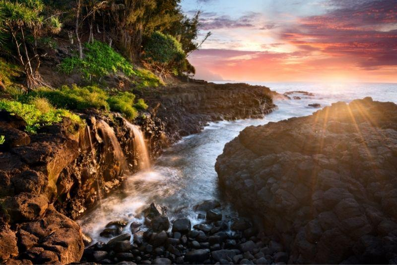 Queen bath in Kauai at sunset -warm places to visit in December in USA