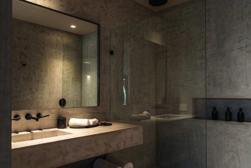 alexa luxury penthouse in Aldea Zama bathroom