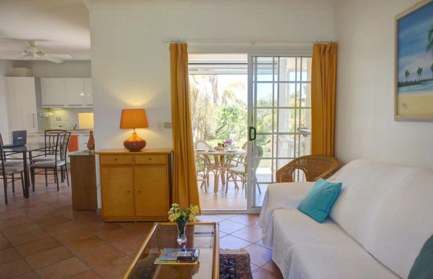 beachfrount villa living