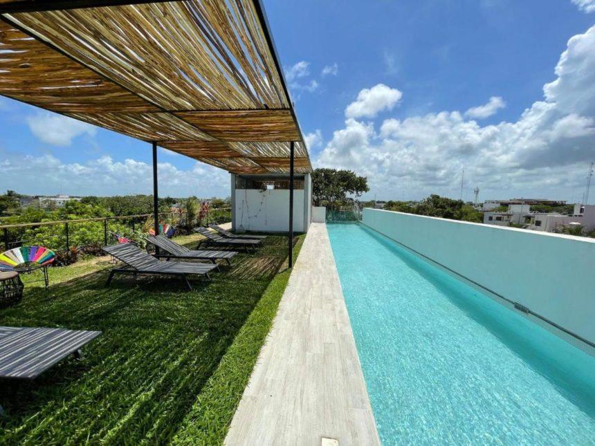 Jungle loft pool