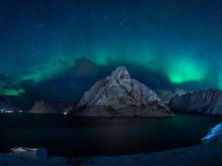 aurora borealis in the lofoten islands