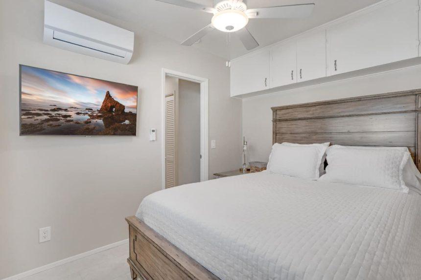 HB bungalow bedroom