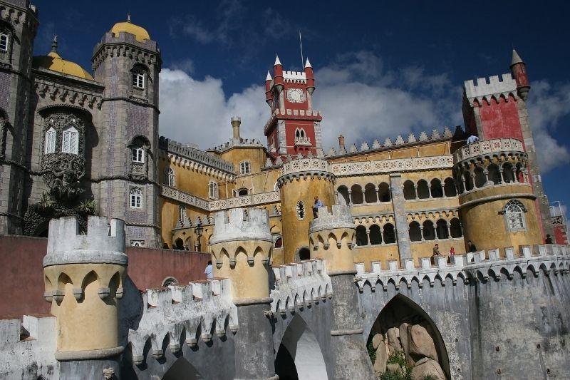 castelo dos mouros sintra castles