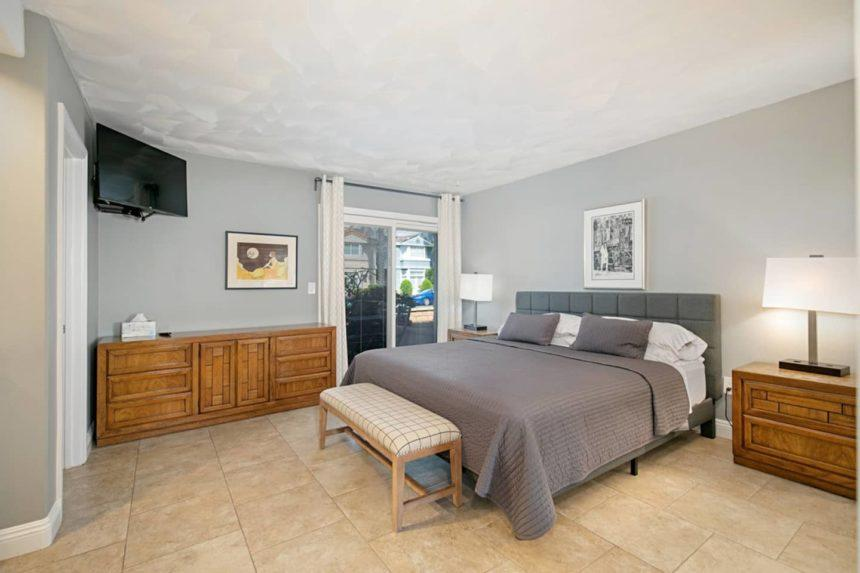 apartment close to the beach - bedroom