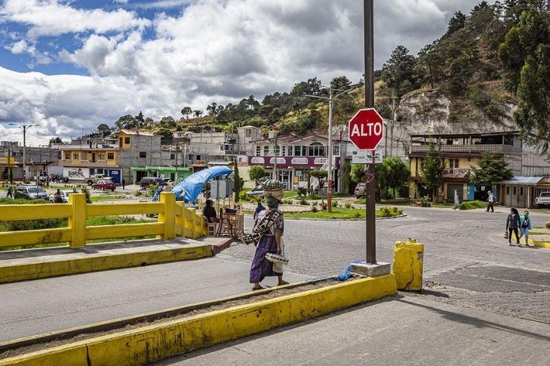 San Cristobal totonicapan woman walking