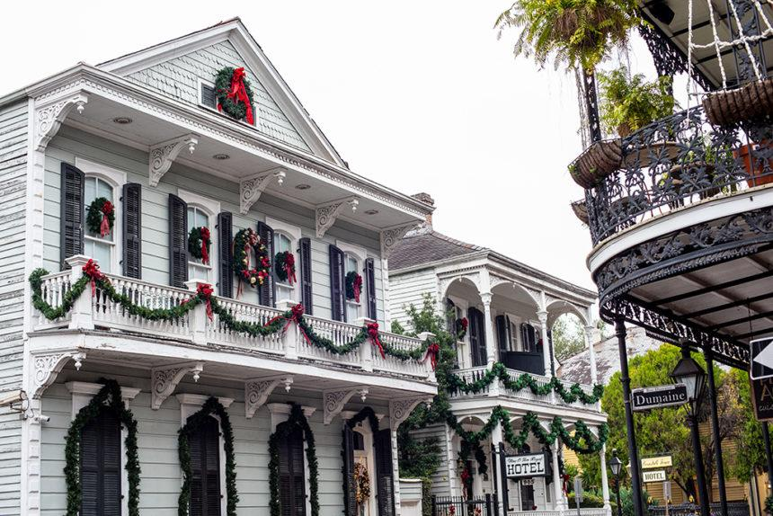 New Orleans houses decorated for Christmas