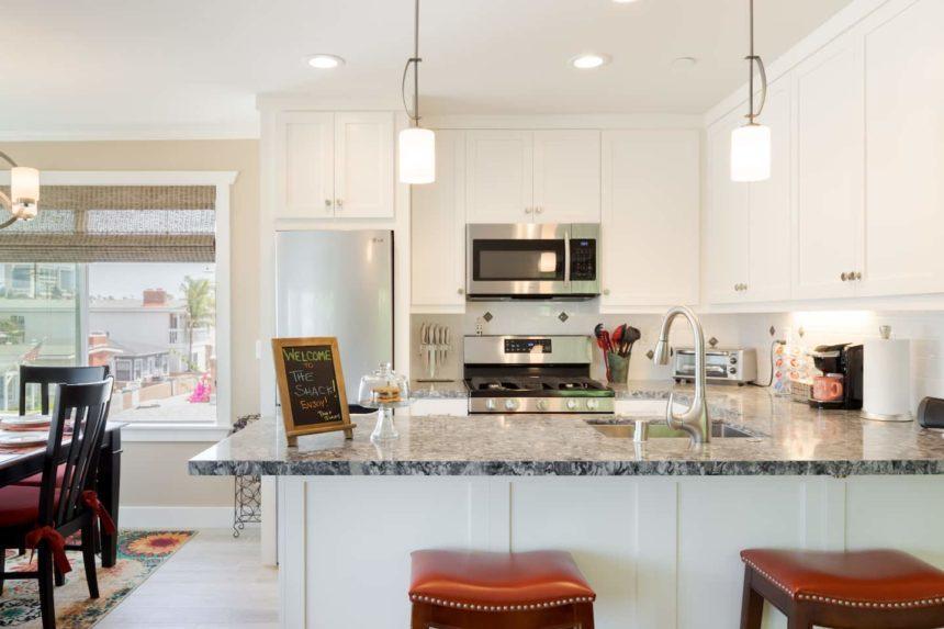 peninsula beach apartment kitchen