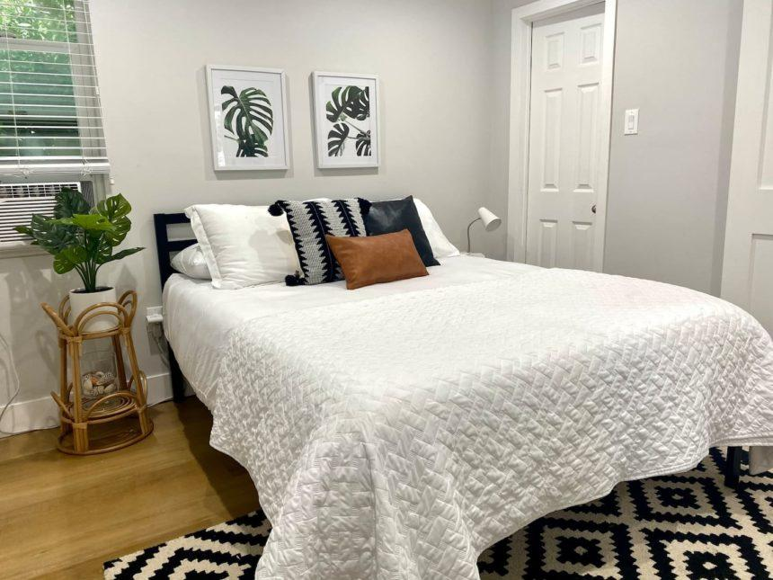 a step from the beach apartment bedroom