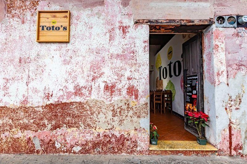 Antigua walls