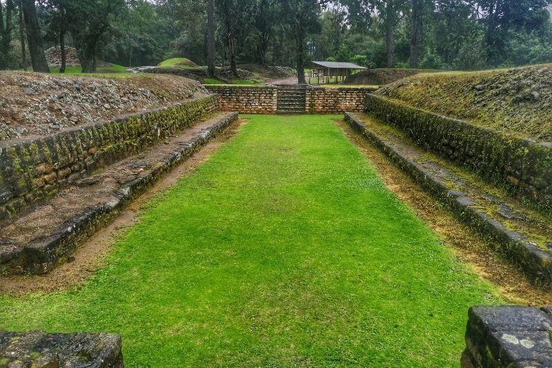Ixminche archeological site juego de la pelota
