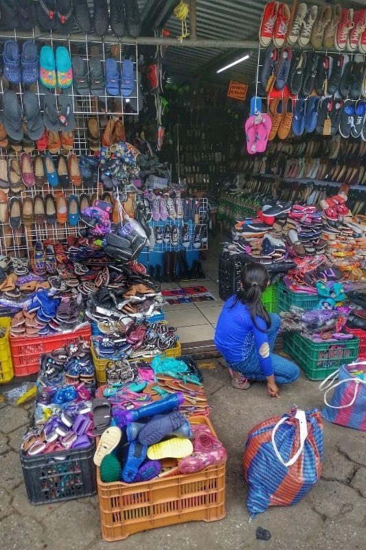 Antigua market shoes
