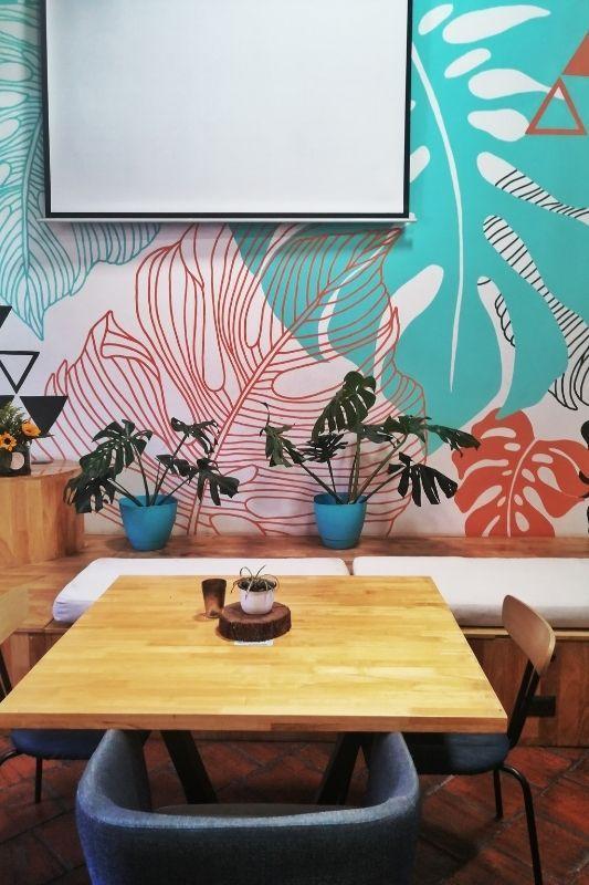 calista cafe table