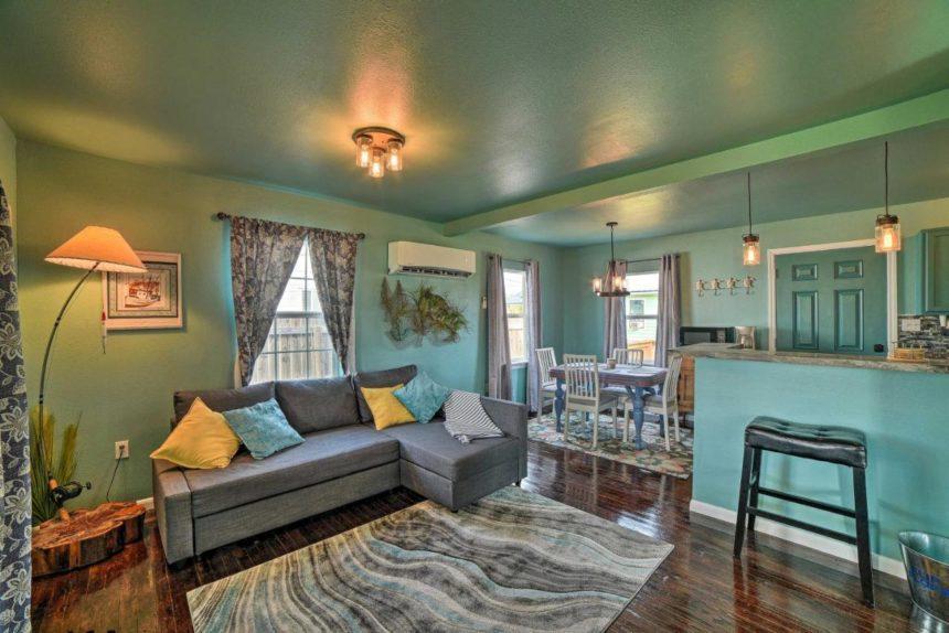 Seadrift cottage interior