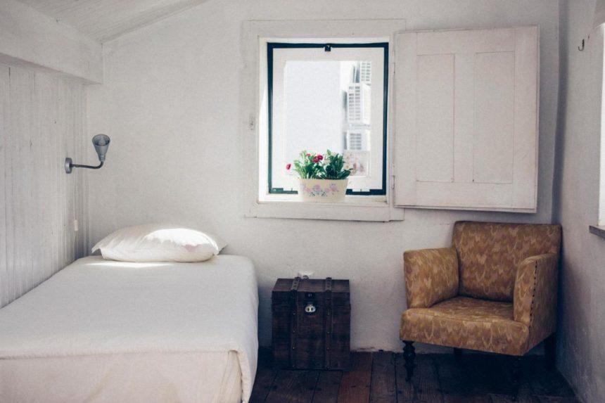 Tag hostel room