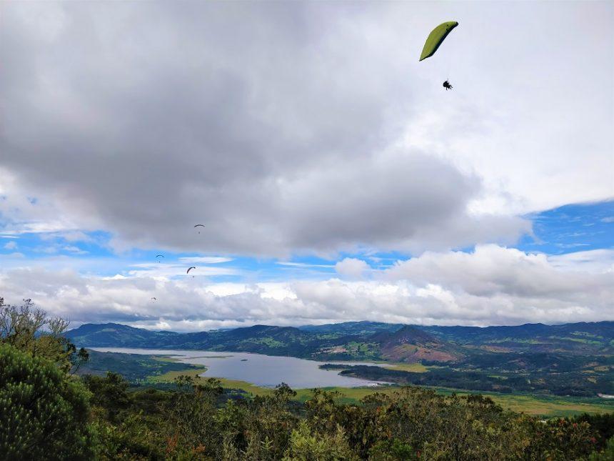 Paragliding in Sopo
